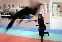 自分なりの判断のご紹介-イラン女忍者
