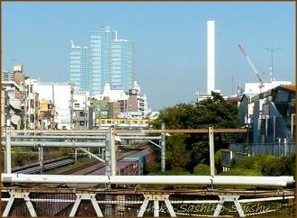 20141122 目白橋から 2 目白駅前