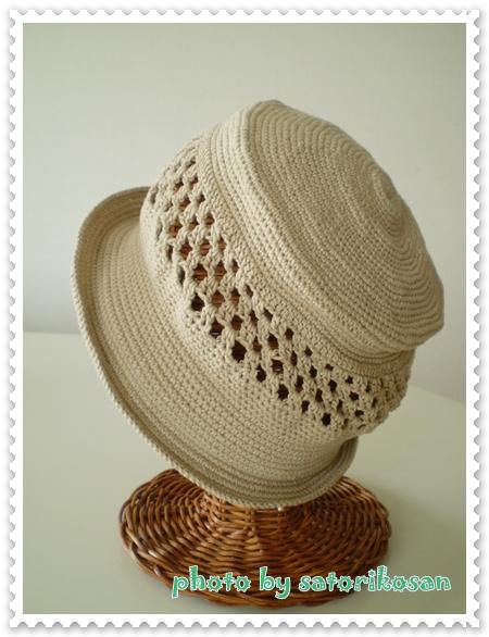 ベージュ帽子:春1