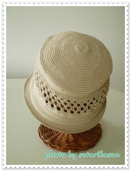 ベージュ帽子:春2