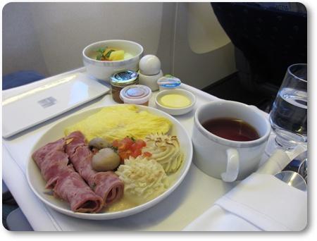 SQ941ビジネスクラス食事,デンパサール発シンガポール ビジネスクラス食事