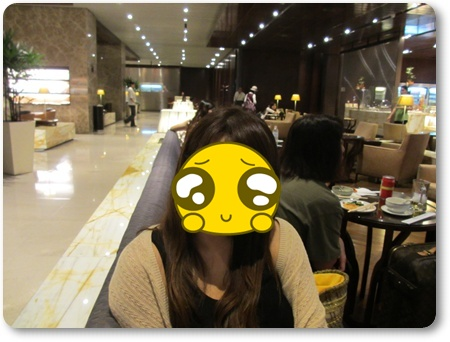 チャンギビジネスラウンジ食事,シンガポール空港ラウンジ休憩