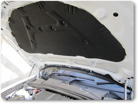 BMW X1ボンネット,BMW X1インシュレーター