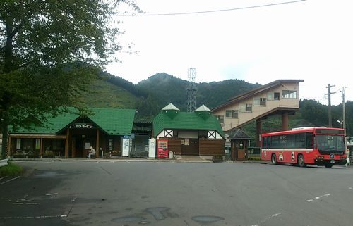 気仙沼線柳津駅1駅舎