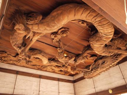 瀧尾神社拝殿龍