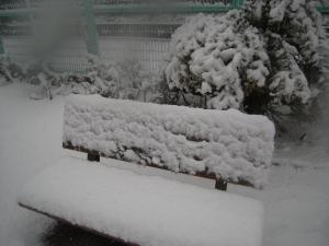 雪ベンチ 130115144256