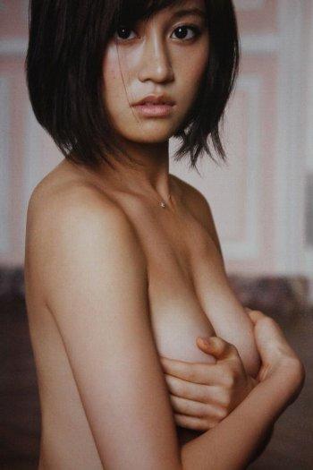 前田敦子ヌード雑誌流出裸手ブラ