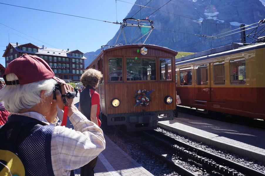 クライネシャイデックとレトロ電車