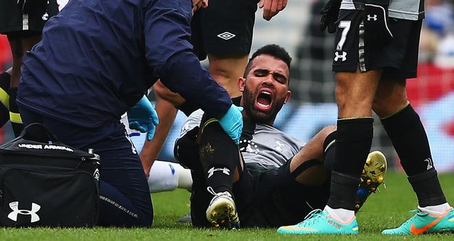 QPR-v-Tottenham-Sandro_2884763.jpg