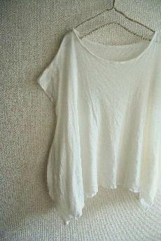 ニットの裾スクエアーTシャツ