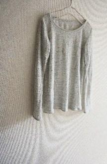 リネンニットの長袖Tシャツ