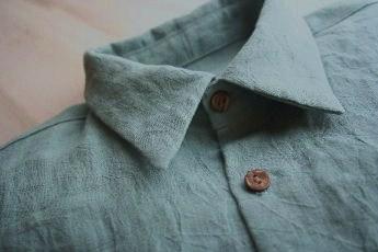 リネンの半袖シャツ