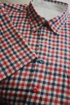 トリコロールチェックのシャツ