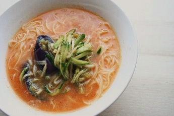 冷やし素麺(韓国風?)