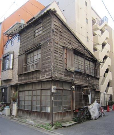 飯田橋1丁目の木造家屋