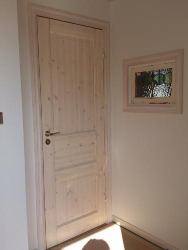 white stained door ab