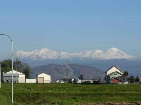 12 10/27 雪景色の山