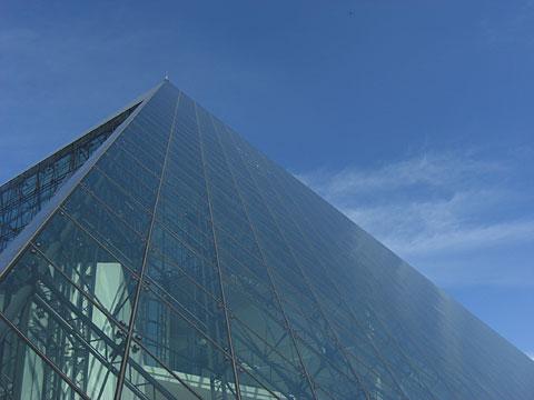 12 9/8 モエレ ガラスのピラミッド