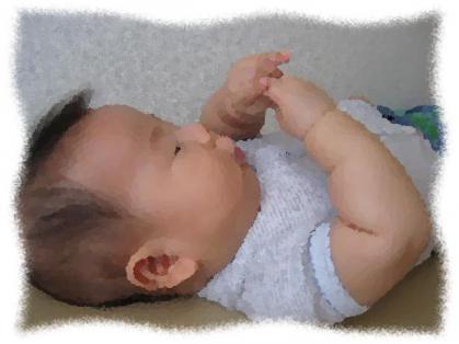 2012年8月自分の手を触る