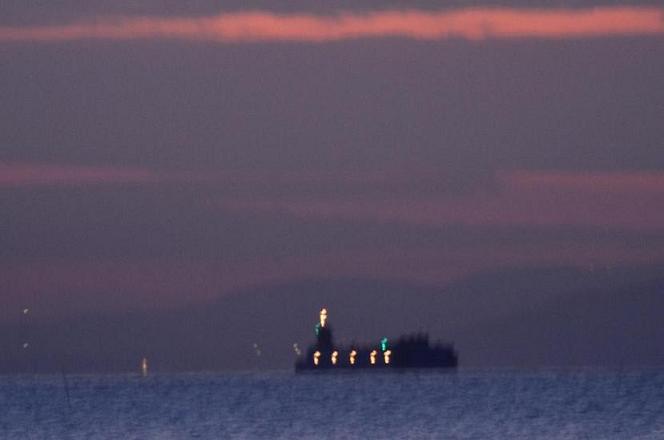 DSC_4760夜明け前船