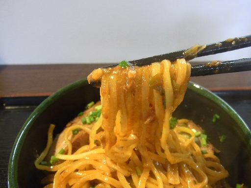 平打ちの中麺