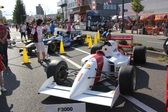 レーシングカー搭乗体験
