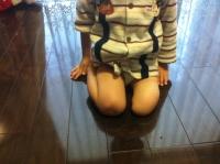 正座(義足なし3歳)