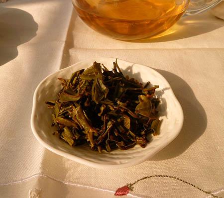 2 抽出後の茶葉