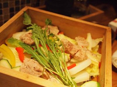 蒸し鶏としゃきしゃき野菜