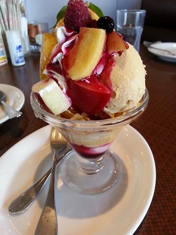 りんごのミニパルフェ