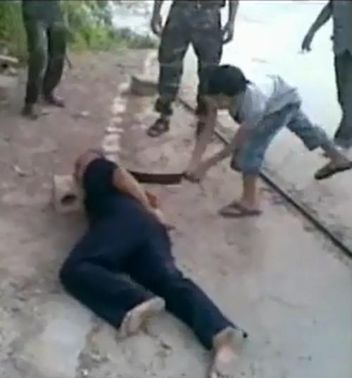 シリア爆撃(その裏の闇)image