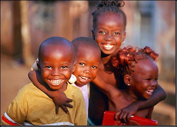 無名の人々(子供の笑顔)image