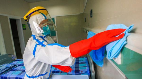 ebola(病室の消毒)image_convert_20141003002319