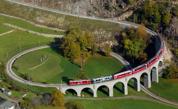 スイス(アルプスの鉄道)image