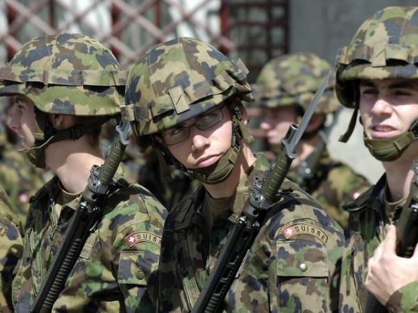 スイス(若い兵隊さん)image_convert_20141013132212