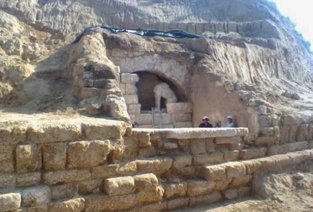 アレクサンドロス(ギリシアの発掘)image