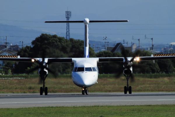 EH DHC-8-402Q JA842A RJOM 131028 02