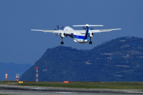 EH DHC-8-402Q JA842A RJOM 131028 03