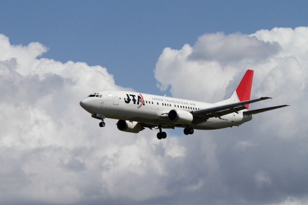 JTA 737-4Q3 JA8931 RJOM 101010 006