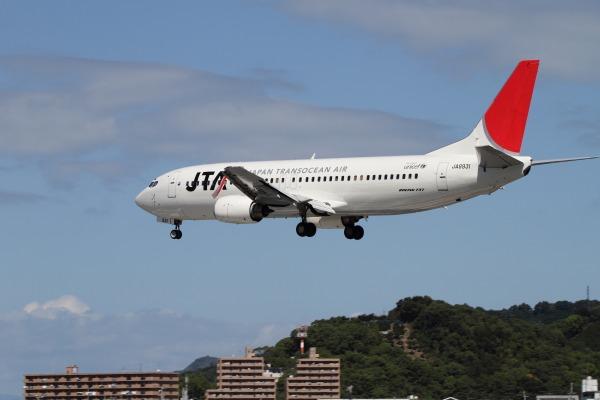 JTA 737-4Q3 JA8931 RJOM 101010 015