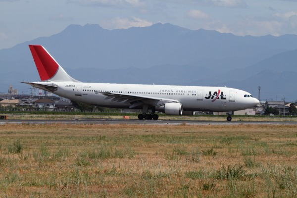 JAL A300B4-600R JA8573 RJOM 100912 017