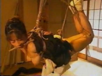 喪服姿の未亡人を調教 - エロ動画 アダルト動画(1)