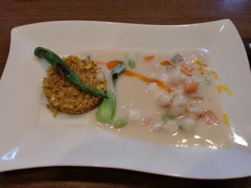 海鮮の中華風クリーム煮 カレー風味のチャーハンと共に(EVOLVE)120718+008_convert_20120718230616