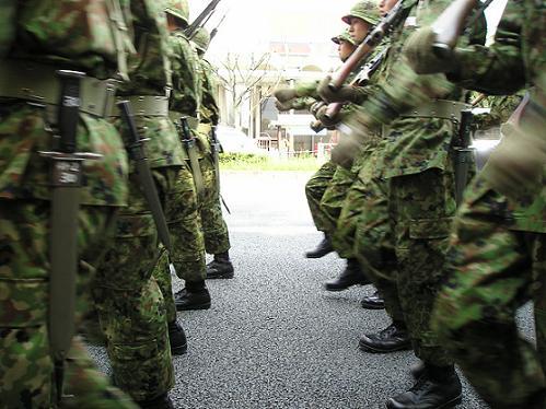 日本が軍隊もつの反対してる奴らは