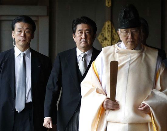 安倍総理大臣の靖国神社参拝お前らどう思ってんの?