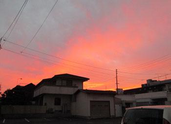 台風前日の夕暮れ