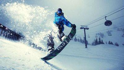 格好いいスノーボード
