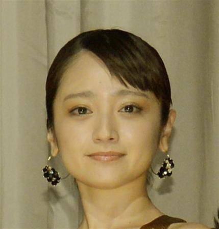 安達祐実、写真家の桑島智輝氏と入籍「三人での新しい家族のスタート」2