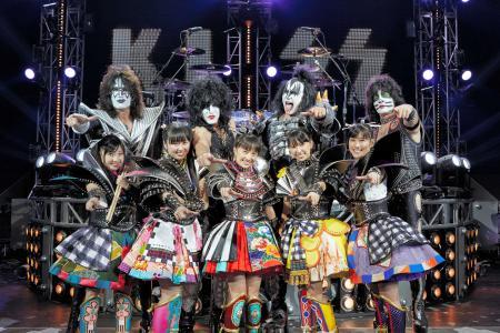ももクロと米ハードロックバンド「KISS」がコラボ!来年1月にシングルを発売1