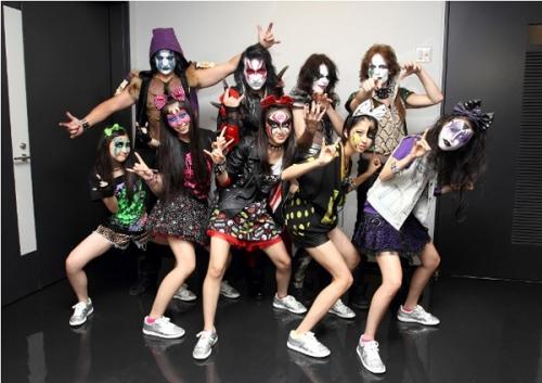 ももクロと米ハードロックバンド「KISS」がコラボ!来年1月にシングルを発売15
